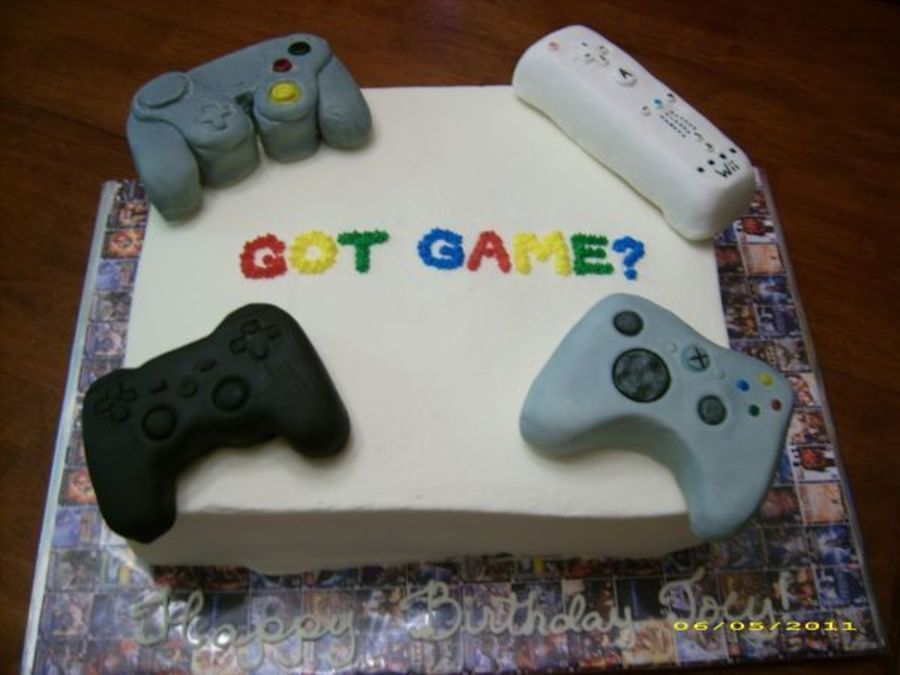 900_290033W6qC_video-game-cake