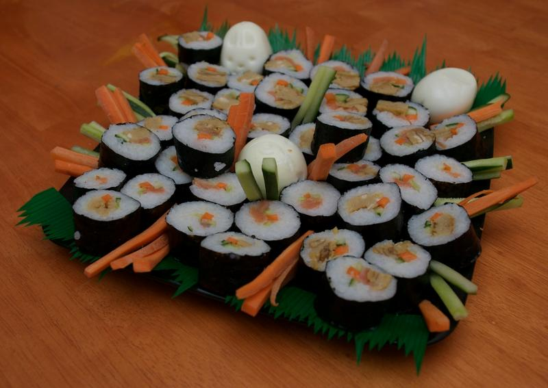 sushi_platter_by_skinnedrat_d1hlf69-fullview